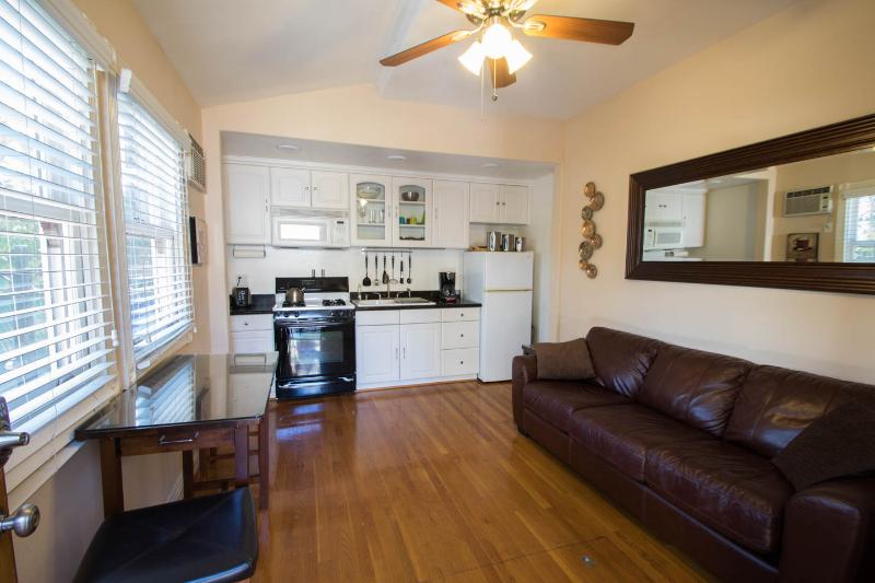 Downtown Victorian Gem - #1, vacation rental in San Diego