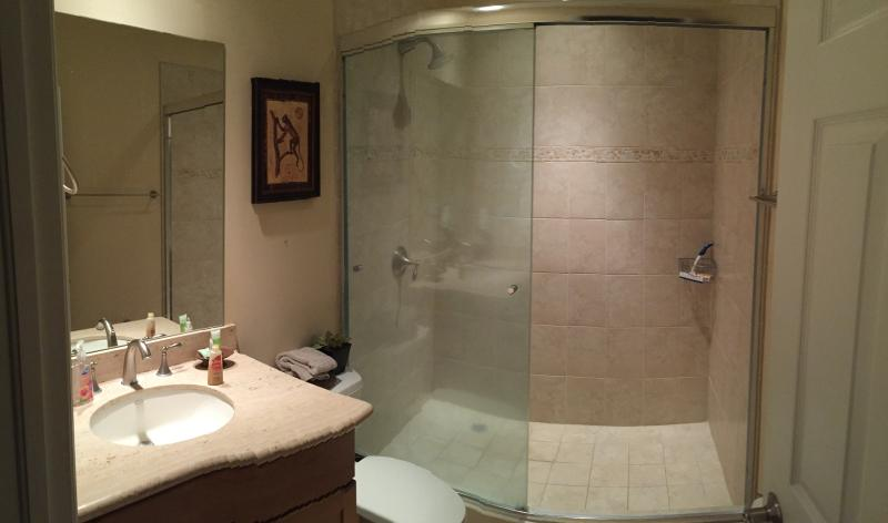 2nd bath for use by 2nd & 3rd bedrooms