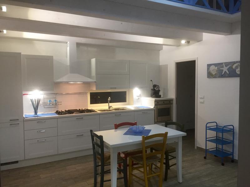 Casa vacanza sul mare nuova in Calabria, holiday rental in Gioiosa Ionica