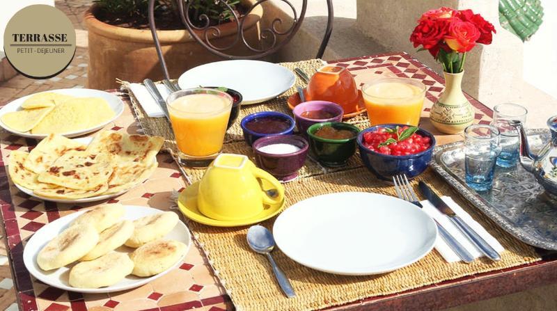 Breakfast: 50Dh