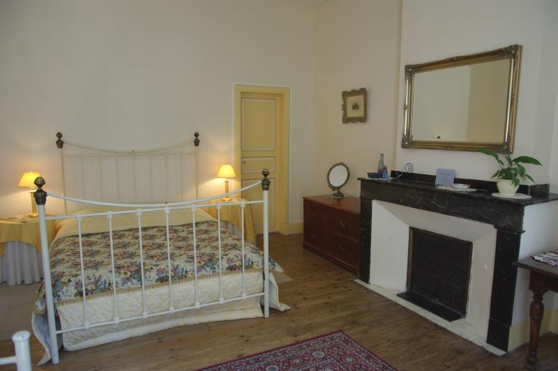 La Tannerie - queen size bed (160cm)