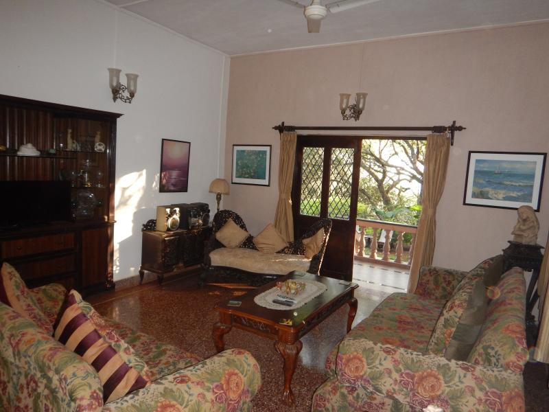 Monte Bella Holiday Home, Mahabaleshwar, casa vacanza a Satara District