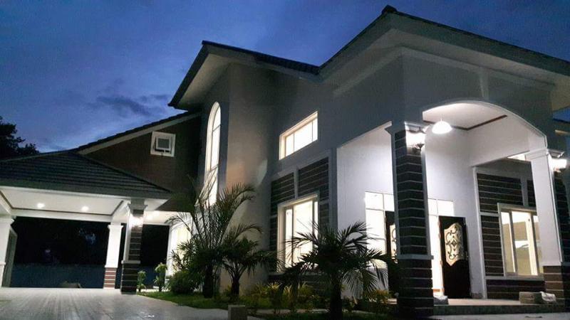 Luxurious Pool Villa, holiday rental in Bang Sare