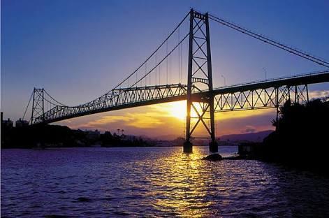Puente Hercilio Luz, la postal Floripa