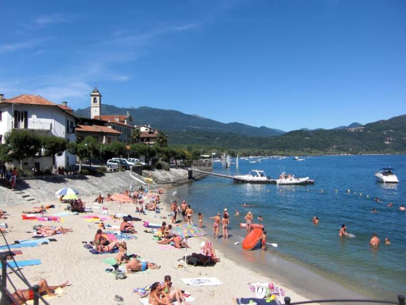 Playa de Feriolo lago Maggiore
