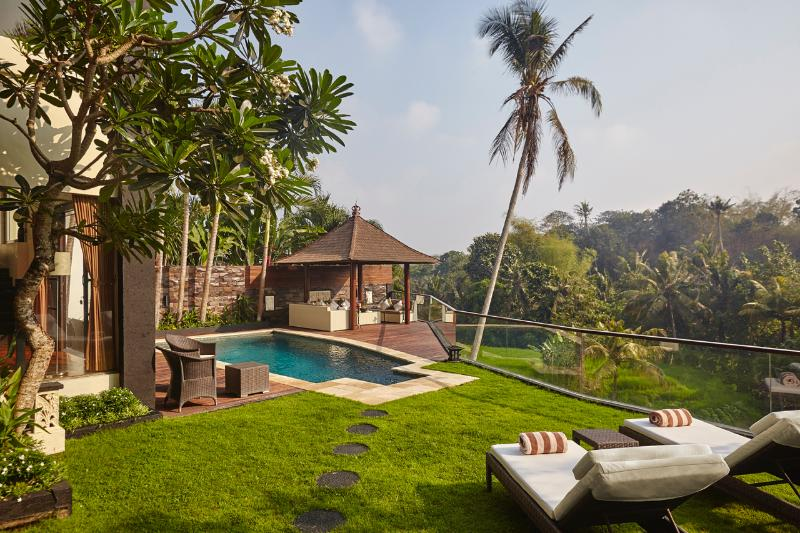 Luxury Private Villa, stunning views, fully serviced, inclusive of car/driver, location de vacances à Canggu