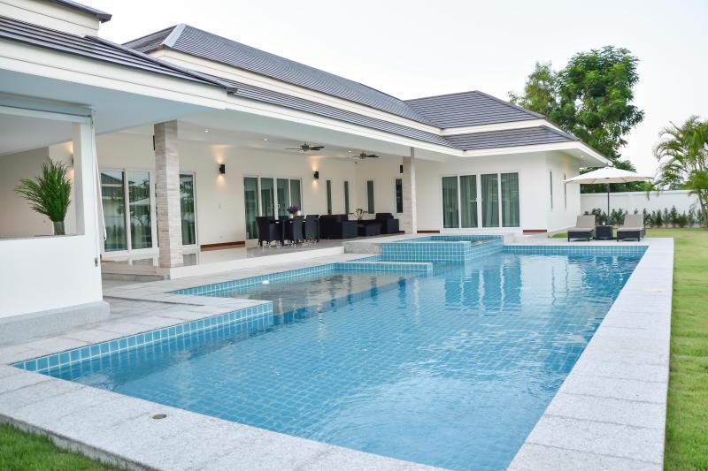 Tulip House eigen zwembad Villa HuaHin - Chaam