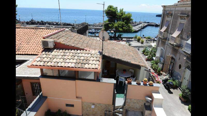 Accogliente mansarda sul mare, vacation rental in Catania
