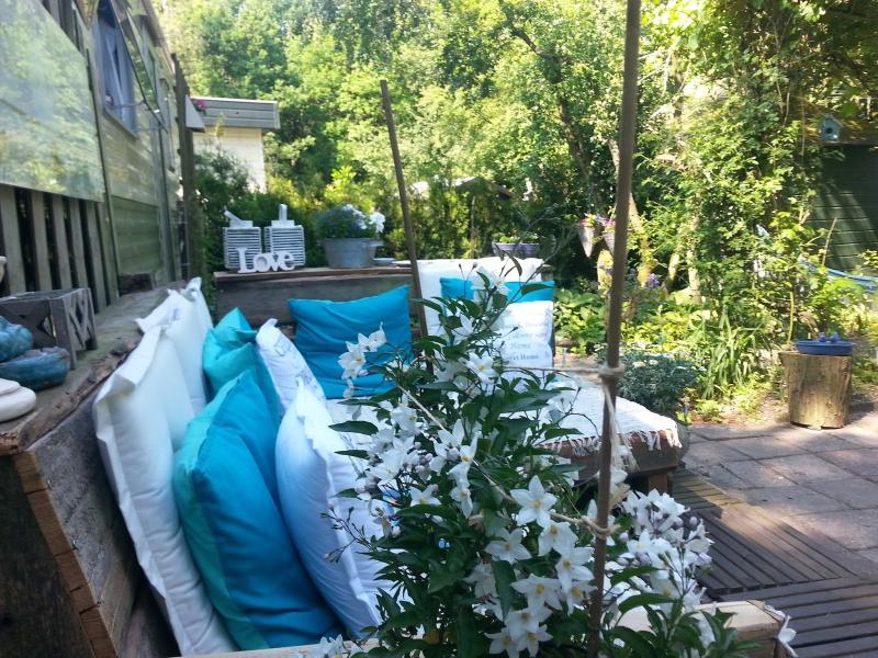 Salón & jardín