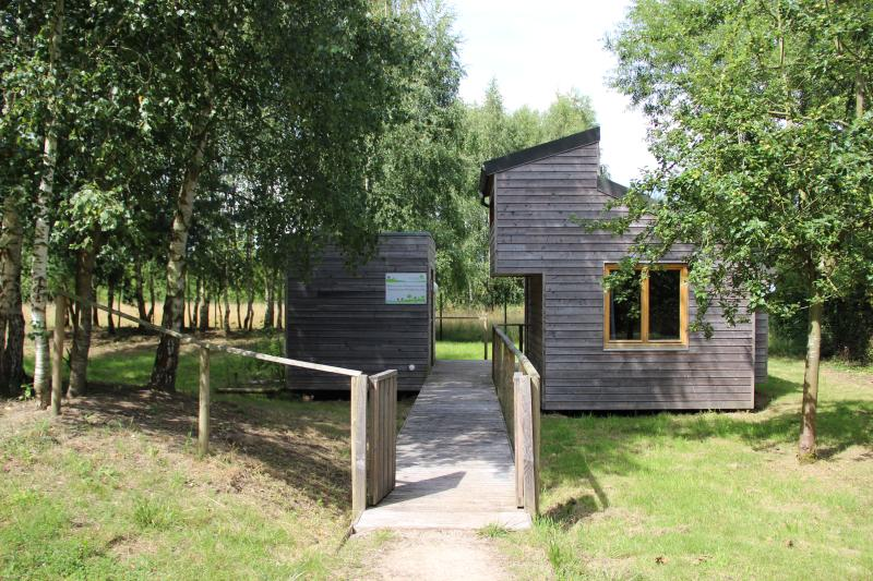 Les Ecolodges de la Lys à Sailly-sur-la-Lys, holiday rental in Ploegsteert