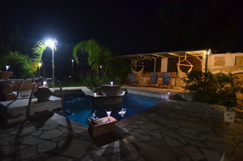 shared pool bar