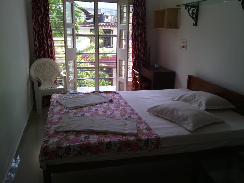 Nathan's Holiday Home - Double Room, location de vacances à Cochin