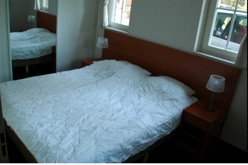 4 camere da letto, 2 al piano terra e 2 al piano superiore