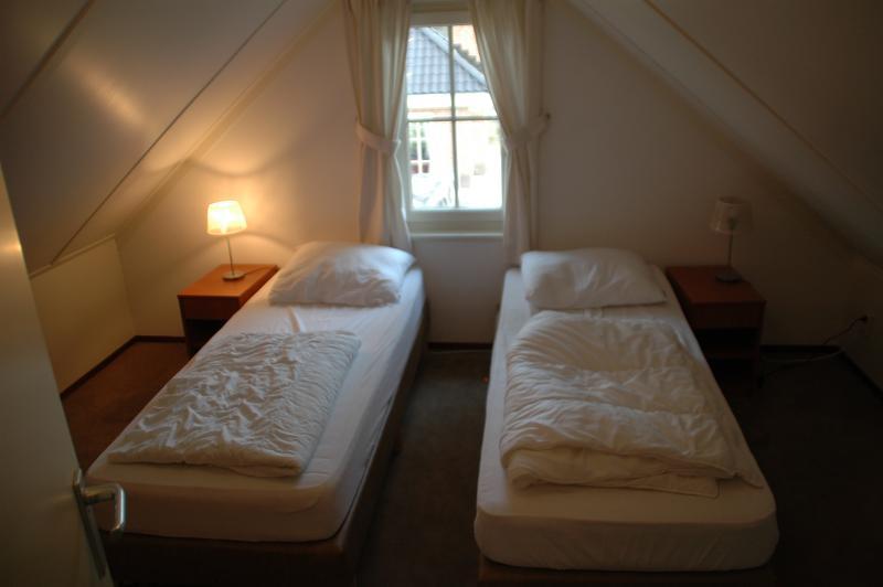 Al piano superiore camere da letto (entrambe con lettino disponibile)