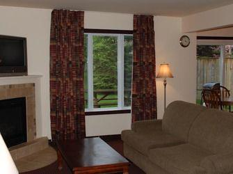 Two-Bedroom Suite, alquiler de vacaciones en Stayner