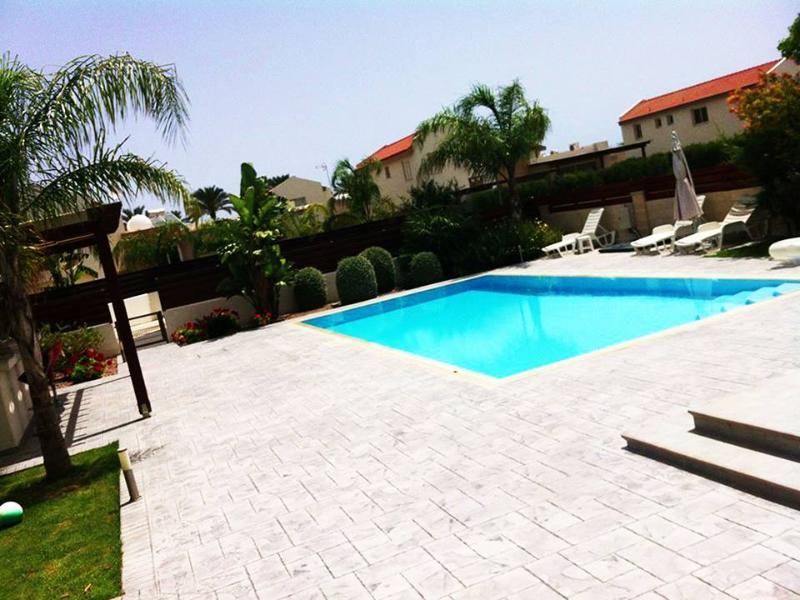Villa Semeli feel home away from home, vacation rental in Pervolia