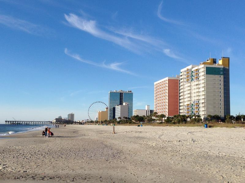 Few blocks to the big sky wheel and the 2nd Pier. The resort is at left.