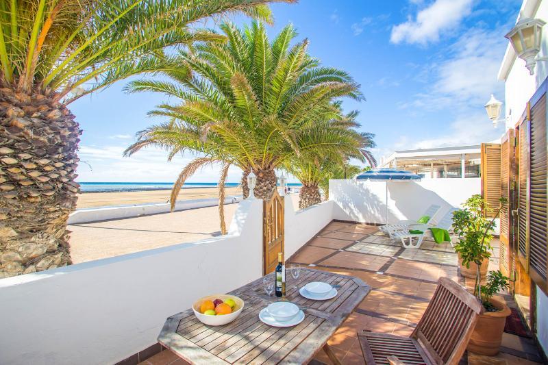 Casa Mar primera linea de la playa, alquiler vacacional en Playa Honda
