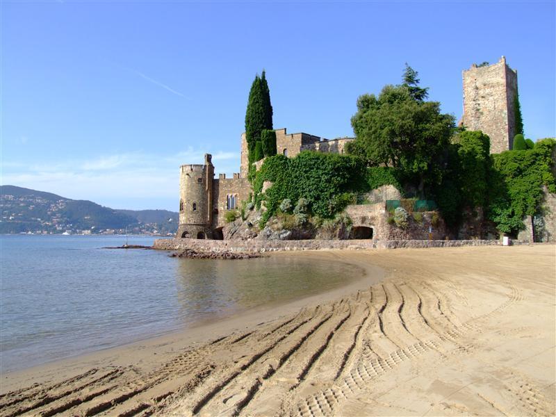 Plage de sable du château