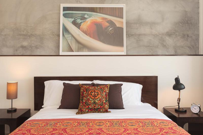 Stylish Room in Boutique B&B, holiday rental in Bangkok