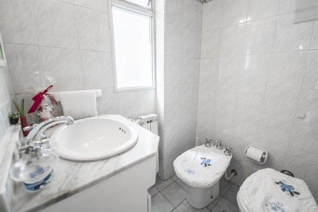 Baño con ducha en planta superior
