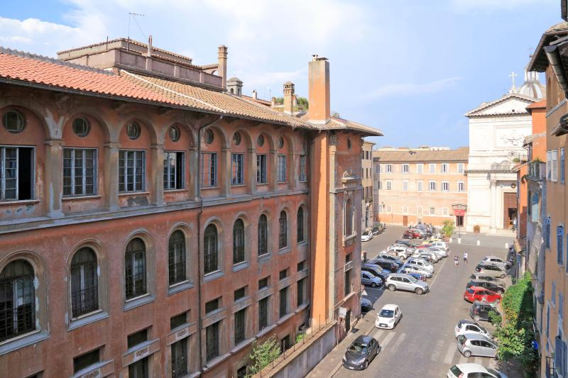 Street view-Piazza San Salvatore in Lauro