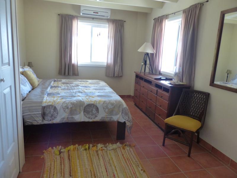 king size master bedroom on 2nd floor