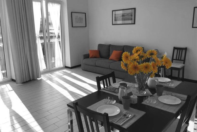 Il nostro è un appartamento luminosissimo sito proprio al centro di Napoli nella zona più turistica