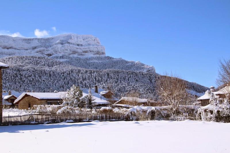 Peña Oroel en invierno