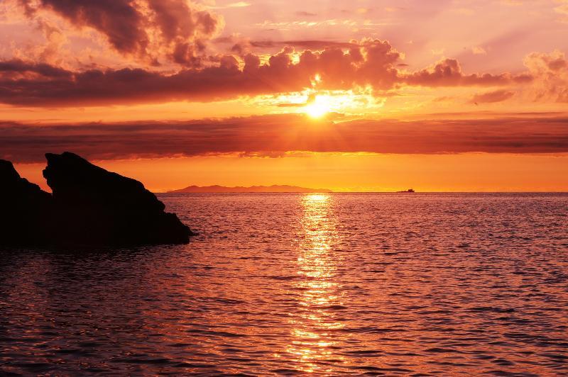 Panoramico trilocale Nispo3 a 50 metri dal mare, vacation rental in Rio Nell'Elba