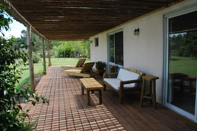 La Barra, casa de 4 dormitorios,  10 pax., vacation rental in San Carlos