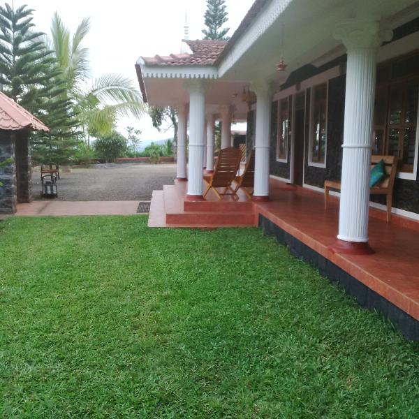 Cassells Villa, holiday rental in Vandiperiyar