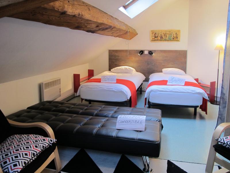 location saisonnière 'LE STENDHAL' à GRENOBLE CENTRE VILLE accès par TRAM BUS, holiday rental in Grenoble