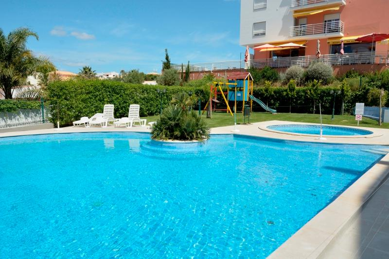 Jack Blue Apartment, Armacao de Pera, Algarve, vacation rental in Armacao de Pera