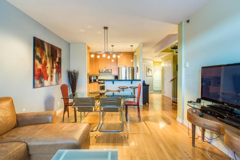 Sunrise Suite 404 With Roof Top Terrace Downtown Montreal, alquiler de vacaciones en Montreal