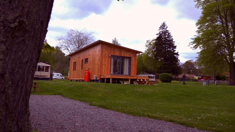 HOLIDAY CHALET, vacation rental in Inverness