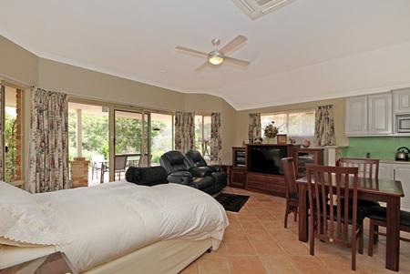 The Goodlife B&B The Luxury Suite with Spa, location de vacances à Wattle Grove