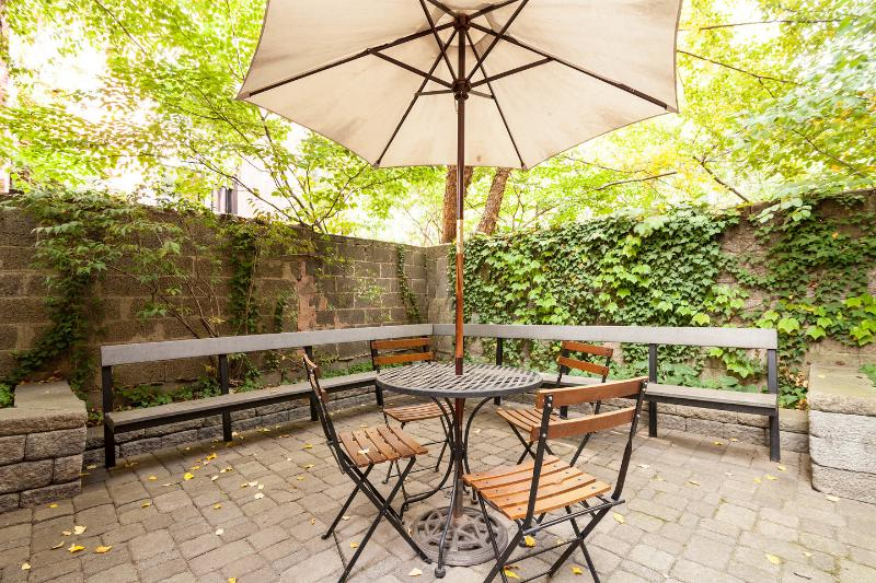 Good weather? Dine outside!