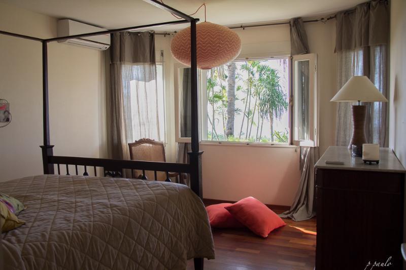 La chambre La di la fé. Clim, mobilier créole, confort (matelas 160X200) et vue sur l'Océan.