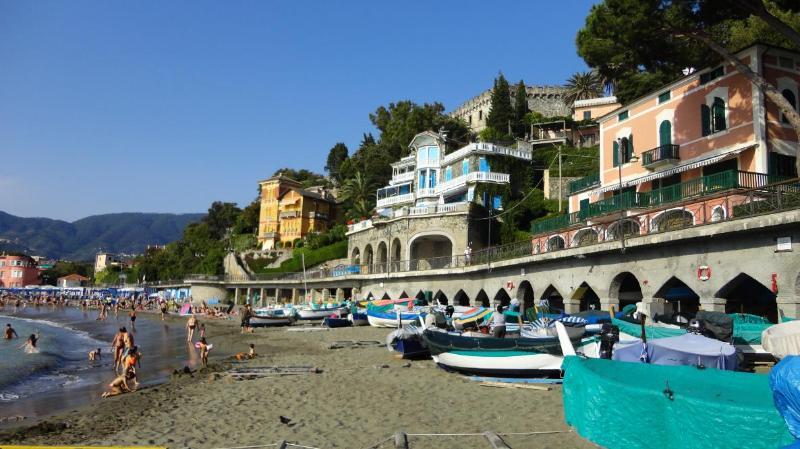 Beachfront holiday villa Amaranta Levanto Liguria