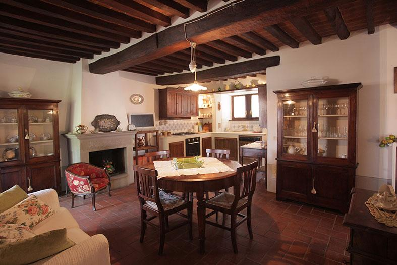 KITCHEN / LIVING ROOM WITH FIREPLACE ancient sandstone. Zone LUNCH / RELAX