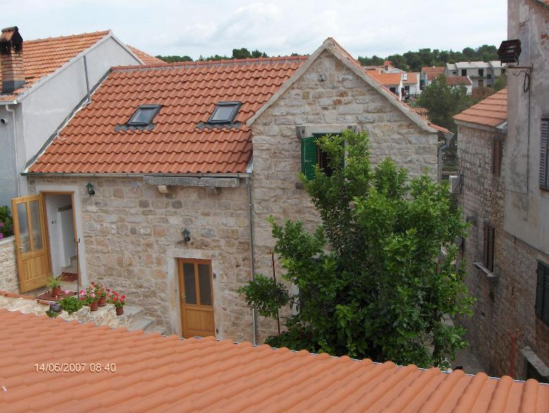 Draga A2(2+2) - Vrboska, vacation rental in Hvar Island