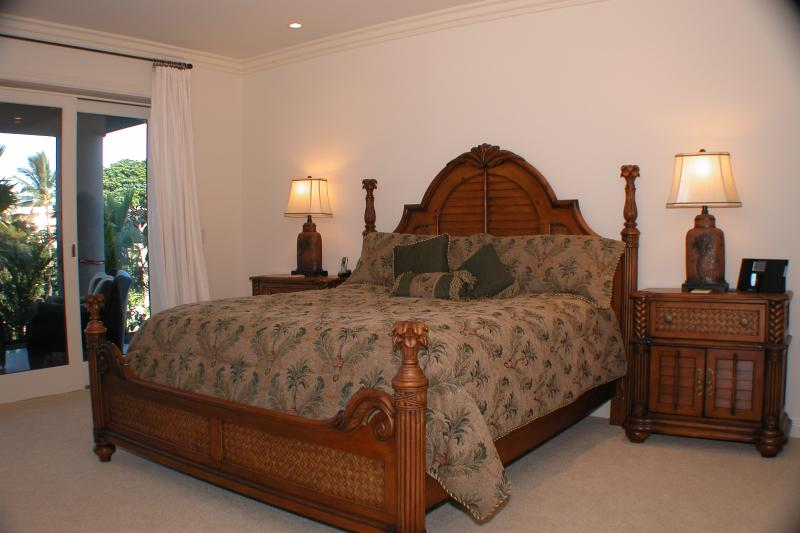 master suite features king