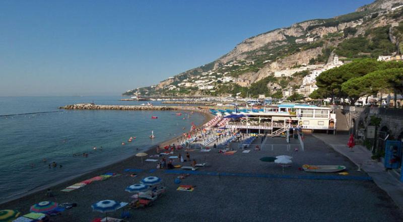24 Amalfi beach