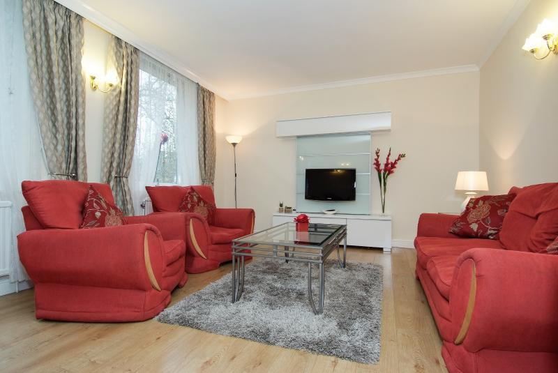 2Bed Livingroom