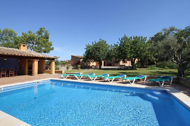 Can Moletta - Pool with sun loungers