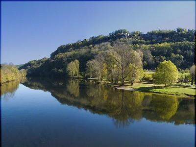 The Dordogne river at Cenac where canoes are available for hire