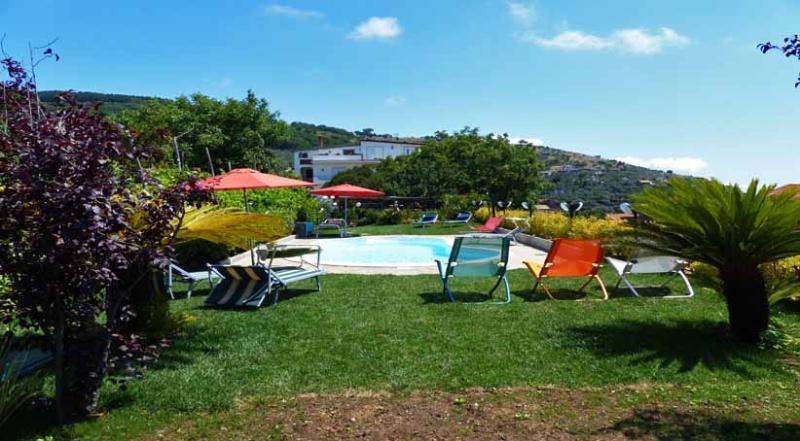 02 Romeo shared pool area