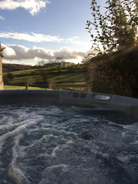 Private Hot tub Cokaynes at Harthill Hall