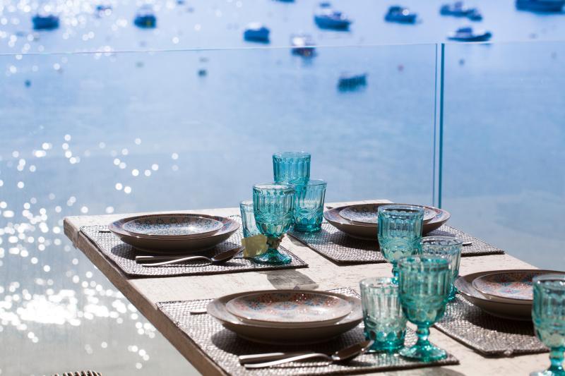Beachfront Es Turo Luxury Hostal - Three Deluxe Rooms, casa vacanza a Ses Salines